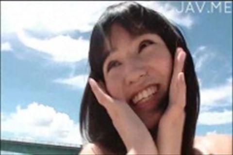 【水着】保田真愛19歳の無邪気な華奢美人娘が水着やいろんな衣装で目を楽しませてくれるイメージビデオ78