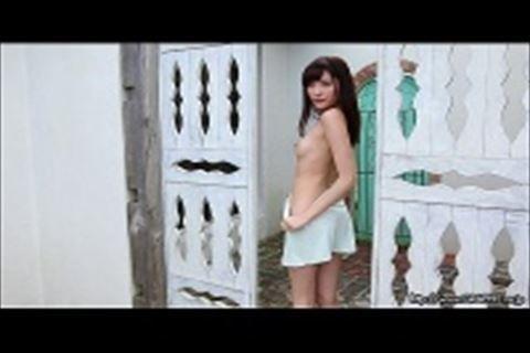 【橋本ありな】美乳美女のイメージビデオ美しいからだ