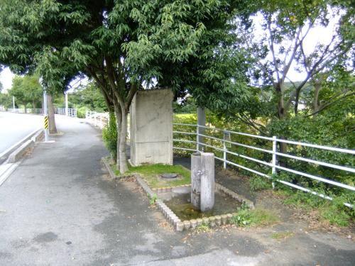 阪内川親水公園傍の仮設トイレ