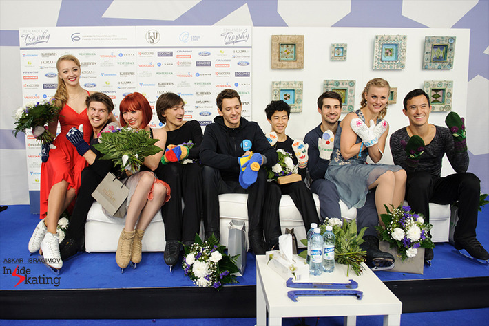 The-medalists-and-their-mittens2