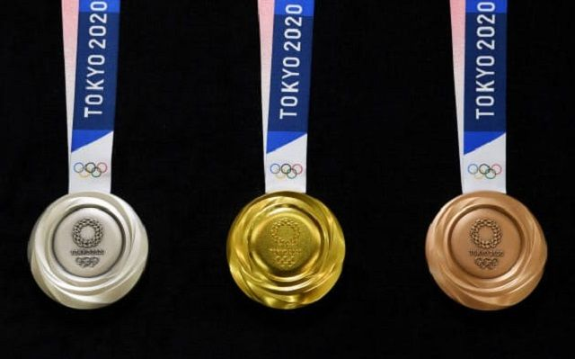 東京2020メダル2