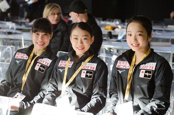 ネイサンくん 感謝祭のメッセージ と 可愛い日本の3人娘たち
