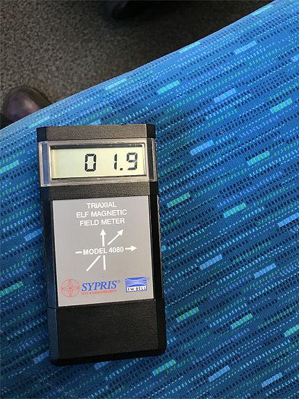 021711車内電磁波3