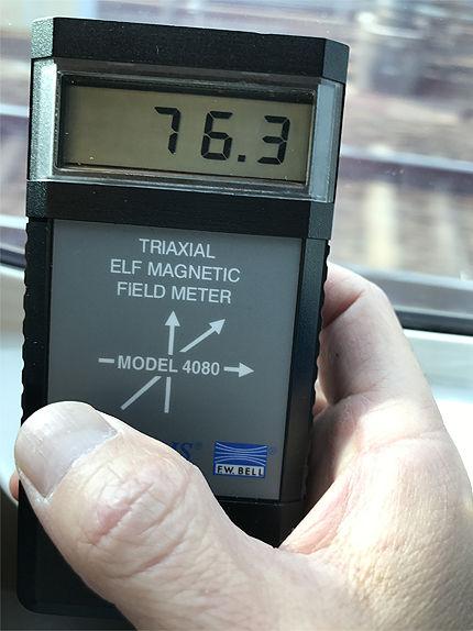 021711車内電磁波6