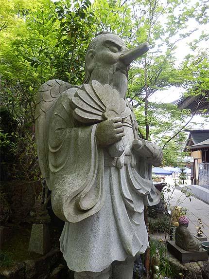 厳島参拝5月26摩尼殿天狗
