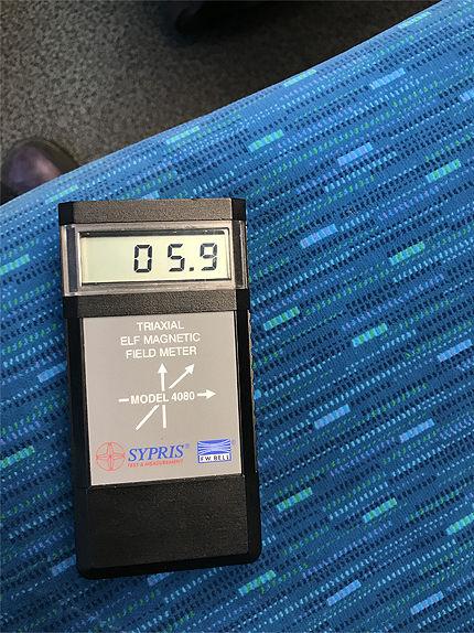 021711車内電磁波4