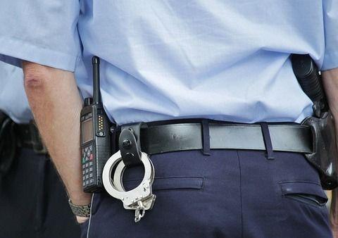 【悲報】警察「なんか身分を証明出来る物見せて」ワイ「見せなきゃいけない法的義務がありますか?」→結果wwwww