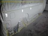 キャラバン塗装完了、都合によりプレスライン下のみ塗装