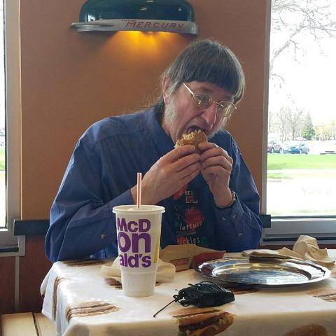 46年間毎日ビックマックを食べ続けた男性 計3万個も食べるも健康そのもの 「マックは体に悪い」は嘘