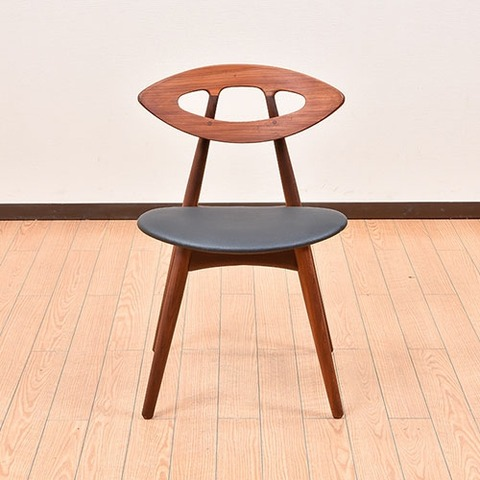 北欧のシャレたデザイナーチェア。「目の椅子」