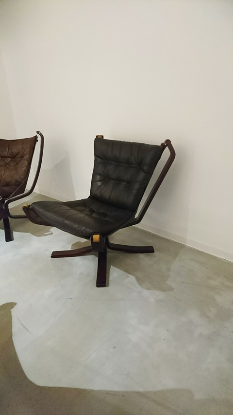 THE FALCON CHAIR/ファルコンチェア