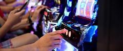 ギャンブル依存疑い320万人 パチンコ・パチスロに月5.8万円!?