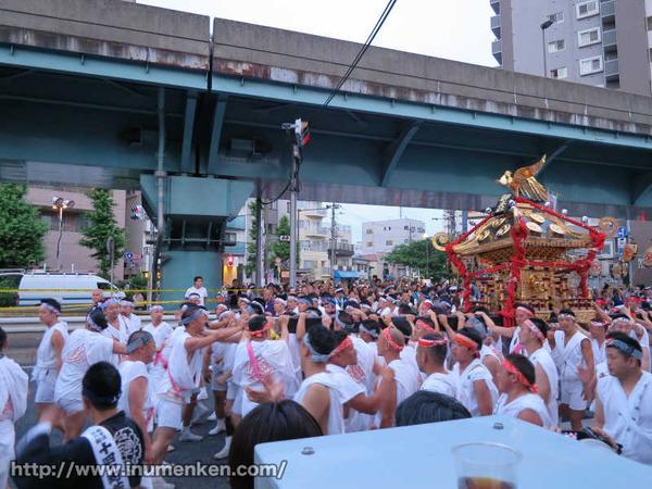 n_st_99荒川の天王祭の神輿