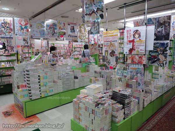 n_st_107(秋葉原、メロンブックス本店店内