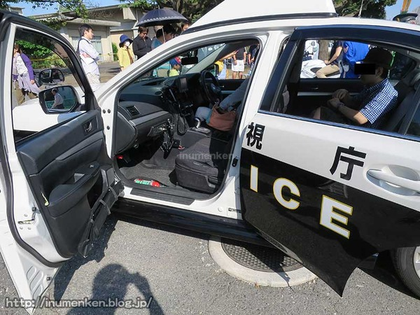 n_p_111(東京拘置所矯正展でパトカー
