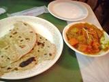 パラタと野菜のサブジカレー