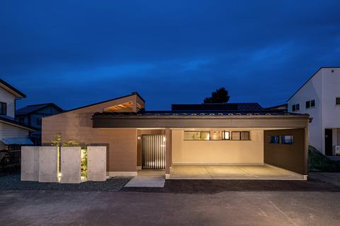 築山と中庭の家 HP9