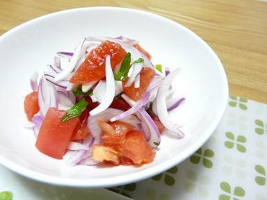 トマトと紫たまねぎの梅シソサラダ