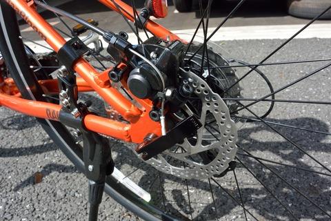 自転車の 自転車 あさひ 安全点検 : 後輪ディスクブレーキ