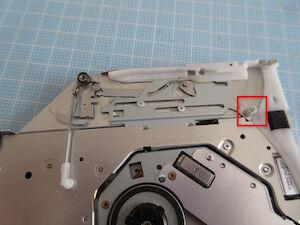 IMG_3862故障のガイドのローラー