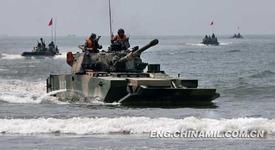 PLNMARINE_Amphibious_tank