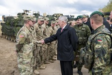 US_Army_James Mattis_Germany_170510-D-GY869-0748E