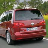 2012-volkswagen-touran-3-generation-minivan-6