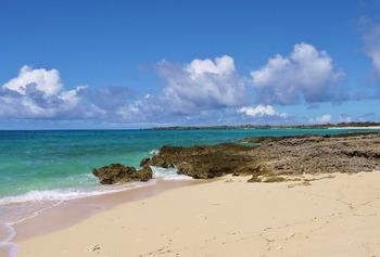 渡口の浜南のビーチ(1024x692)