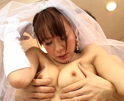 ウエディングドレス姿で犯される花嫁