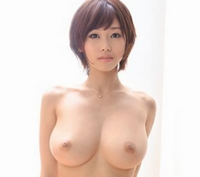 40万回再生の新人蒼井楓のエロ動画がすごい!!このおっぱいは揉んでみたい!!
