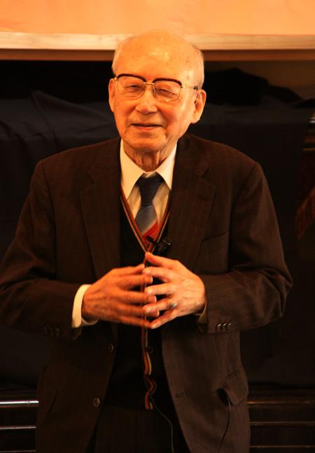 医師・肥田舜太郎先生講演会 麦っ子畑保育園2011.11.23