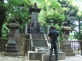 ひっそりと佇む彰義隊士の墓