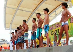 17_07_22 muscle beach_men`s physique_02