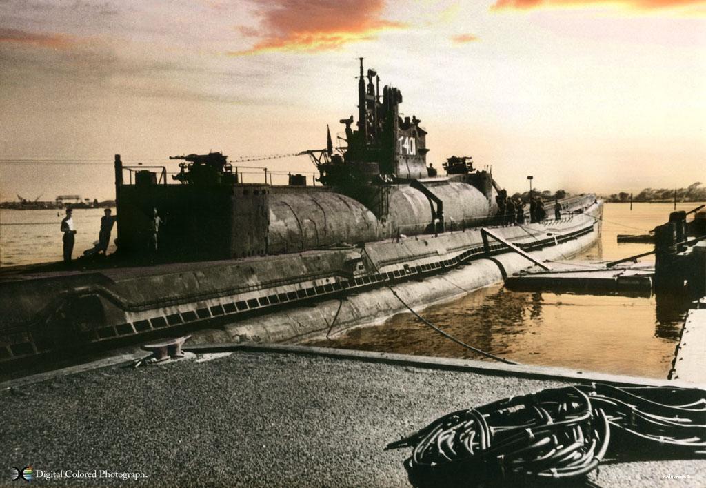 小日本的杀人利器----伊-400型潛水航空母艦