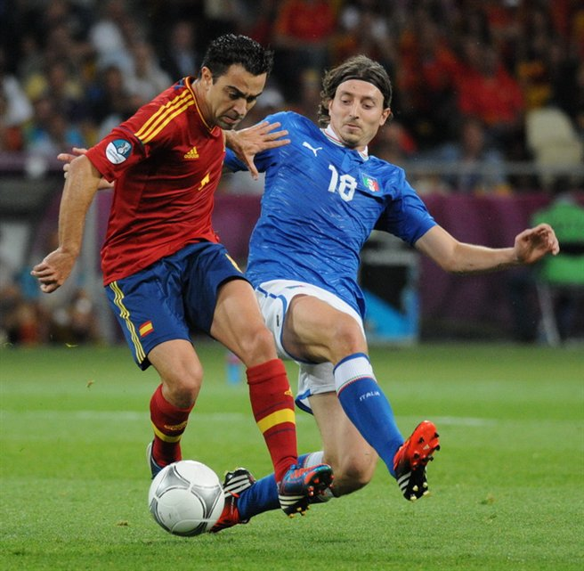 Xavi_and_Riccardo_Montolivo_Euro_2012_final.jpg