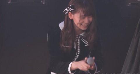 【本日AKB劇場でジャニ密会ネタ騒ぎ】高橋朱里が小嶋真子に「迷惑かけないで」と話した結果・・会場内が・・・