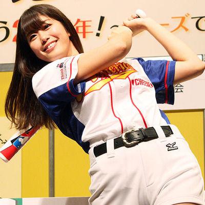 【始球式騒動】稲村亜美「意外と触ってこない」 ←これwwwwww