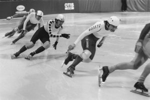 加藤浩次「なんだコイツ」 スケート北朝鮮選手の「接触行為」に反発