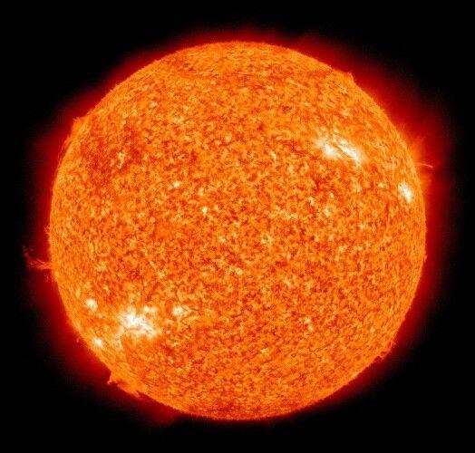 宇宙って酸素ないのに何で太陽は燃えてんの?