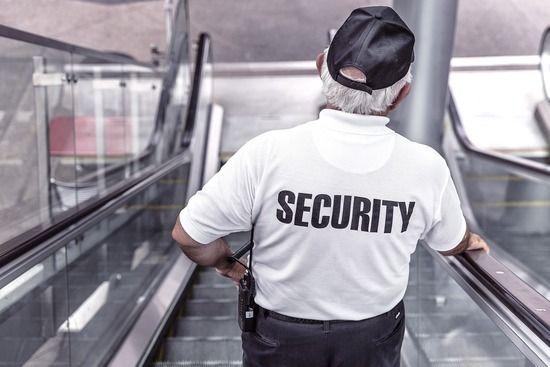 自宅警備員ワイ、初めて自宅を警備する