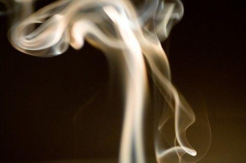 マンションの部屋に ベランダでタバコ吸わないでくださいって張り紙された