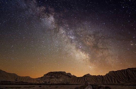 砂漠ではこんな星空が見えるらしい