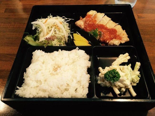 藤井六段、勝負メシは900円の「珍豚美人定食」を出前