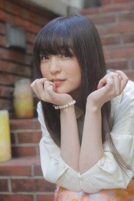 声優の上田麗奈さんの写真集、やっぱり爆死してしまうwwwwww