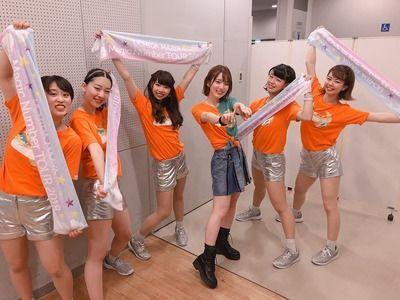 【画像】声優の内田真礼さん、厚底履いてつま先立ちした成果がコチラ