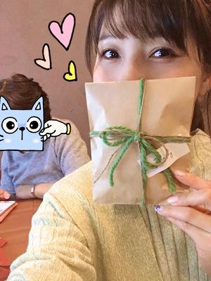 声優の新田恵海さん「母親に自分の写真集見られるのちょっと恥ずかしい笑」