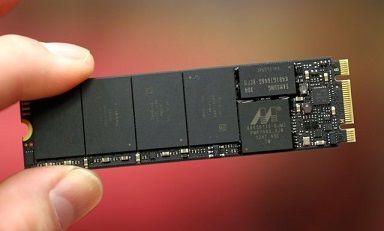 SATA SSDとM.2 SSDに詳しい人教えてください!