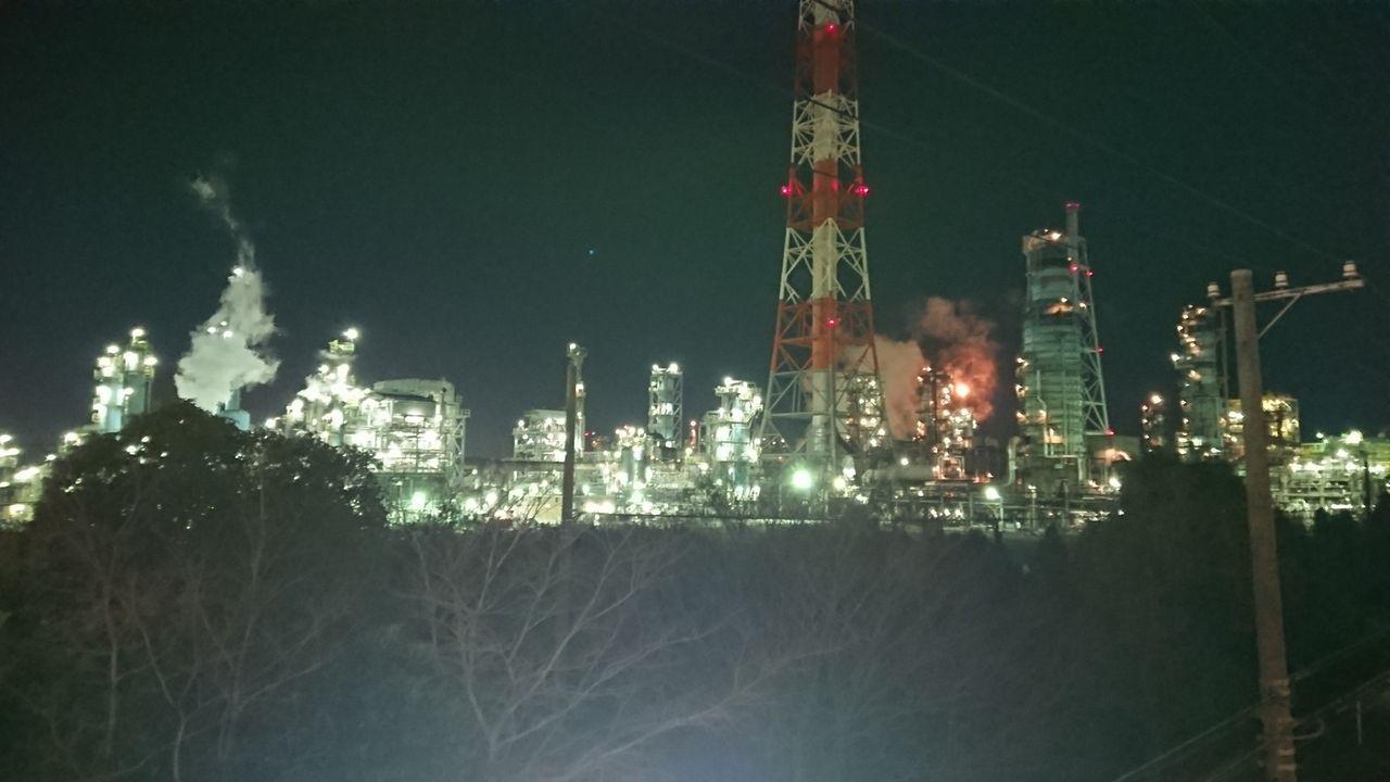 ワイニート、深夜徘徊で工場夜景を見に来る(※画像あり)