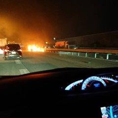 【車両火災】東名阪道 四日市JCT 千代田BS付近で車両火災 事故 渋滞