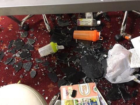 【画像あり】IKEAで買ったテーブルがいきなり破裂